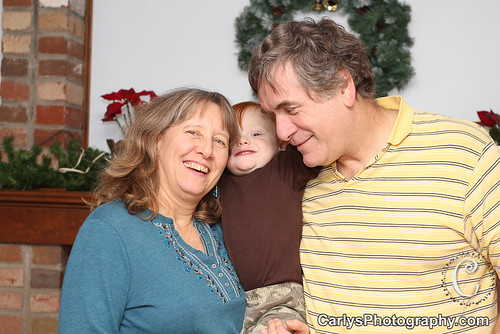 Kyton with grandparents-6.jpg