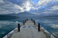 明潭鏡映朝霧起~ Wharf @ Sun Moon Lake~ photo by Stanley_ED