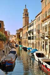 Venice ; Fondamenta Alberti / Rio de San Barnaba / Fondamenta Gherardini photo by Pantchoa