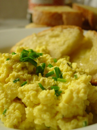 Scrambled Eggs with White wine