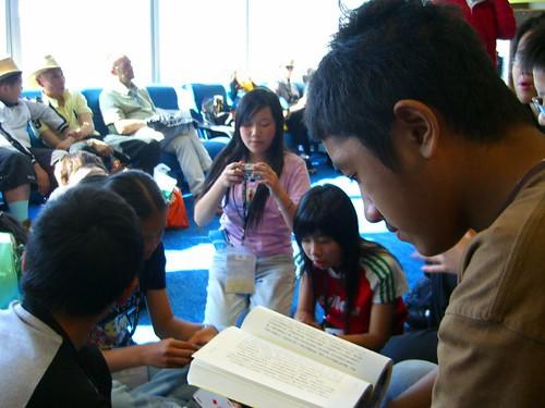 在Sydney機場等待轉機去香港-1