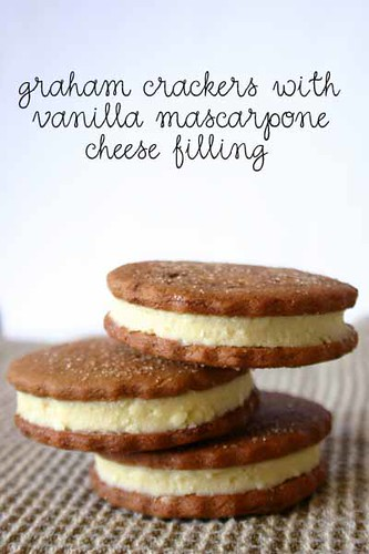 Graham Crackers with Mascarpone Cheese Filling