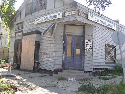 3036 Banks Street