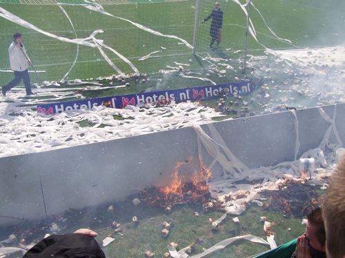 8225909813 f72b552f16 FC Groningen   Ajax (brand Euroborg), 13 april 2008