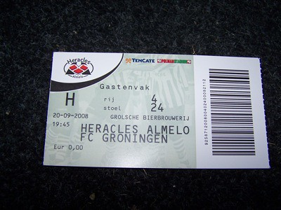 8210234223 d05a37f82e Uitvak Heracles Almelo