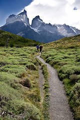 Trekking in Torres del Paine photo by Zalacain