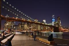 Luces desde DUMBO - Manhattan skyline from DUMBO photo by Davidcarreton