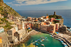 Vernazza view photo by Asquiff
