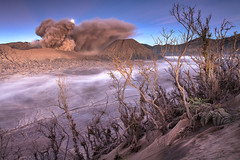 Moonset Mount Bromo photo by ©Helminadia Ranford