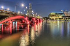 Red Bridge to Esplanade photo by Dan Chui (on/off!)