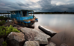 Abandoned houseboat photo by - David Olsson -