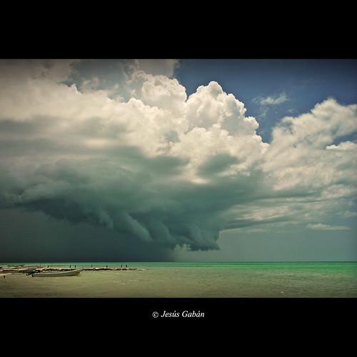 Se acerca la tormenta (Isla de Holbox) photo by Jesús Gabán