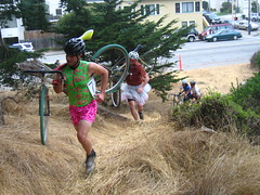dfL Cyclo-cross-dress race