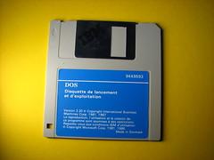 DOS IBM Floppy 1987 photo by fdecomite