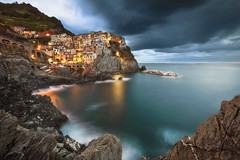 Explore photo: Manarola fisherman's harbour, Cinque Terre, Italy. photo by fischerfotografie.nl
