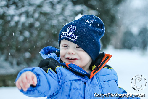 Kyton playing in the snow-6.jpg