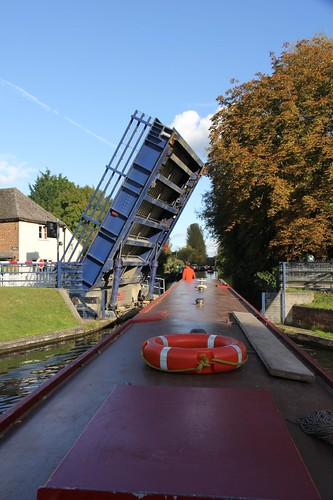 London Oct 14 Canal 041
