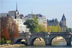 Paris, Île de la Cité avec le Pont Neuf, Square du Vert Galant et le Quai des Orfèvres. Parfois dans la vie il faut savoir dézoomer... photo by Barbara DALMAZZO-TEMPEL (hello!)