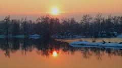Questo tramonto riscalda il mio gelido inverno photo by BORGHY52