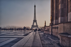 Paris, la Tour Eiffel photo by Zed The Dragon