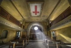 The Red cross  ( explore ) photo by andre govia.