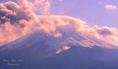 Mount Fuji wrapped in a soft pink embrace photo by Patrizia Ilaria Sechi