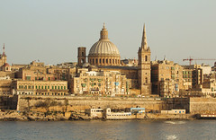 Malta - Valletta photo by saladgreensee