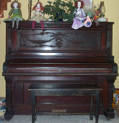 Piano&Bench