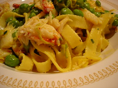 saffron crab and peas with pasta