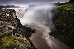 Dettifoss photo by sveinn71
