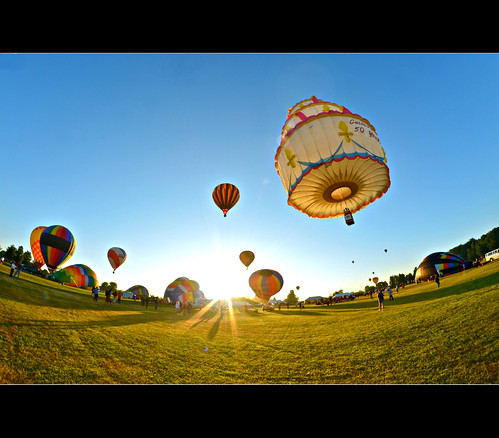 Balloons Over Niagara photo by kroess.photo.