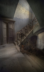 Abandoned mansion ws photo by andre govia.