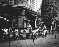 Café photo by Violet Kashi