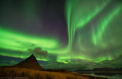 Heaven and Earth - The Icelandic Aurora photo by blame_the_monkey