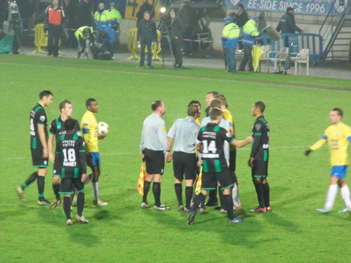 8217840372 a4dc81aafe RKC Waalwijk   FC Groningen 1 1, 24 november 2012