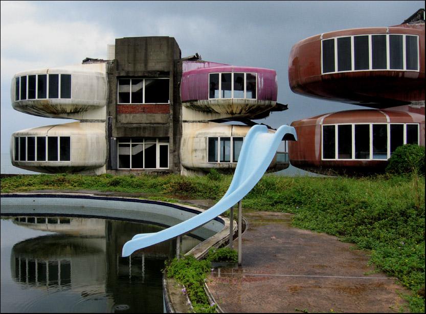 三芝淺水灣 an abandoned resort in Sanchih, northern Taiwan.