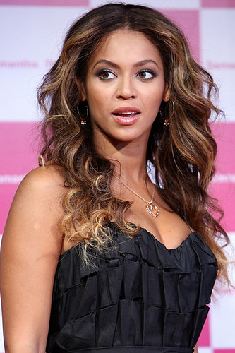 beyonce-knowles wild hairstyle