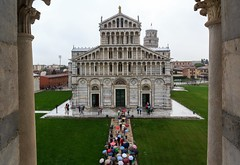 The Well-Organised Tourists Arriving in Pisa... photo by Maria_Globetrotter
