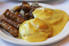 Eggs Benedict photo by mila0506