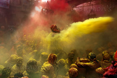 Throw l Holi, Mathura photo by mann_D5000