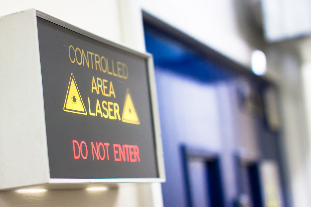 25/30 - Laser warning 2