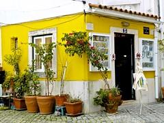 Alfama tourist shop house photo by pedrosimoes7