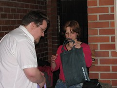 Jukka giving the goodie bag to Justina Robson