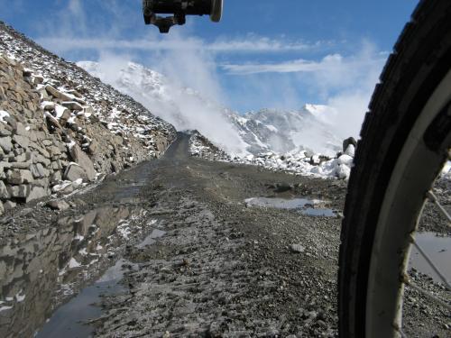 Um, no, really, it was really, really steep - Shenli Daban Pass, western China / ほんんんっとうにきつかったとです - シェンリダバン峠(天山山脈、中国)