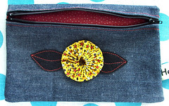 yo-yo flower pouch