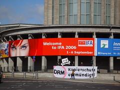 DRM Kopierschutz entmündigt (DRM copy protection incapacitates you)