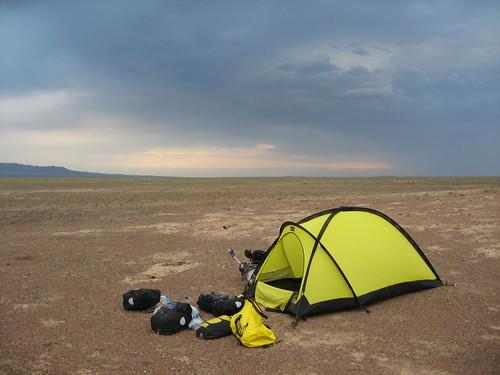Campsite on the way to Sharin Canyon, Kazakhstan / シャリンカンヨンへ行く途中のチャンプ場所(カザフスタン)