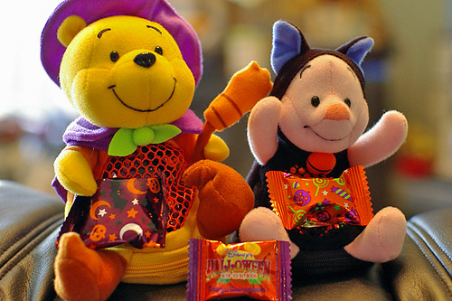 Pooh&Piglet Halloween candy