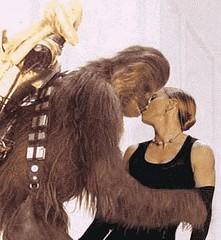 Madonna besa a Britney.. . ah .. no.. era Chewbacca
