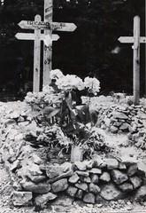 50- 29 juin 45- BM 2- Cimetière de Retaud - Tombe du sergent Guy Tricard -Fonds Amiel